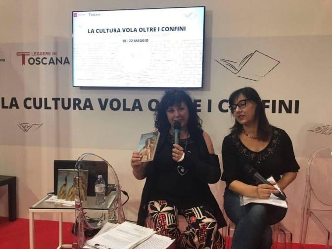 """Elisir Letterario alla 30esima edizione salone del Salone del libro di Torino per presentare l'ultimo romanzo di Simona Bertocchi """"L'ultima rosa di Aprile"""""""